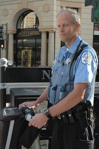 398px-Chicago_police_officer_on_segway